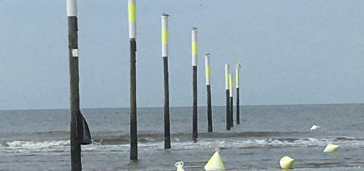 Serie - Stangen im Meer